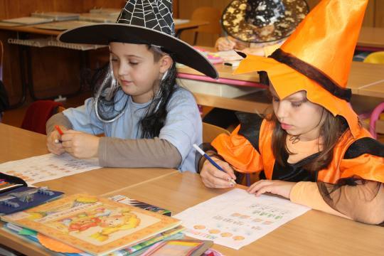 Máme rádi školní projekty. Halloween ve škole, říjen 2010