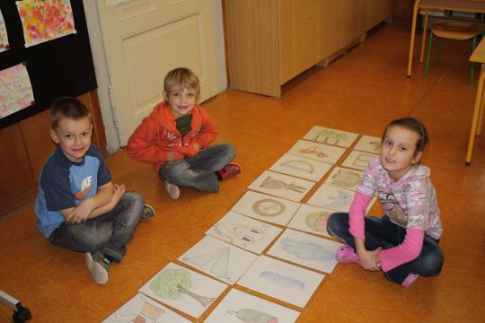 Ve škole po škole - v zájmovém kroužku pracují děti prostřednictvím her a praktických úkolů na odstraňování potíží s učením