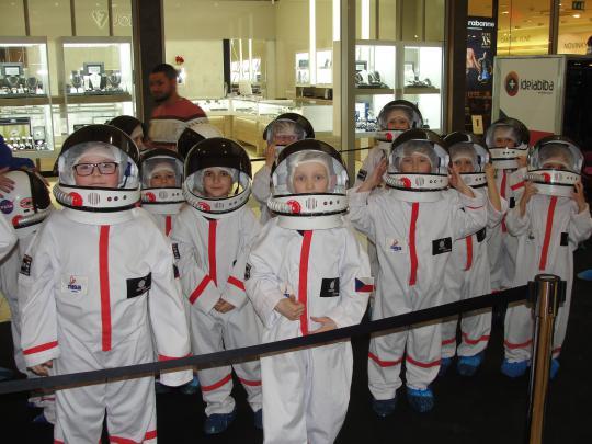 Družina se vydala na vesmírnou expedici